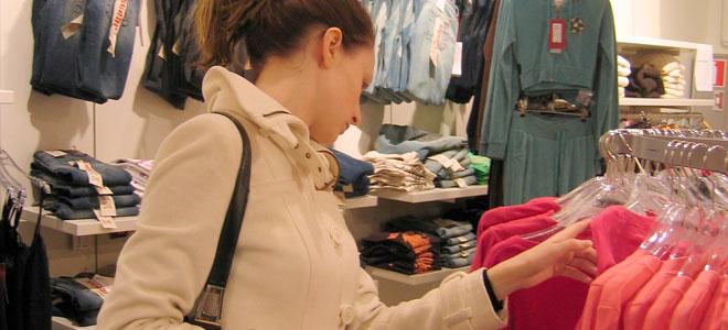 Compras no exterior cada vez levam mais brasileiros a viajar