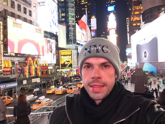 times-square-selfie