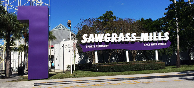 View an interactive 3D center map for Sawgrass Mills® that provides point-to-point directions along with an offline mall map.